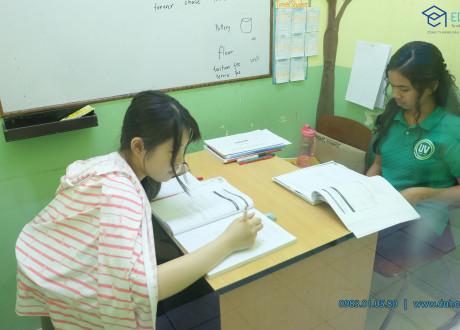 Khóa học TOEFL tại trường UV ESL